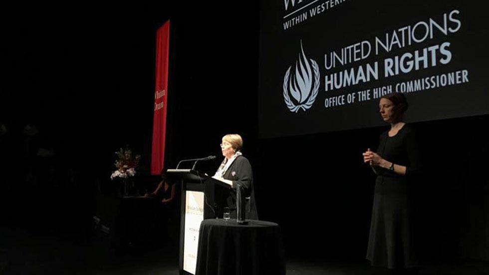 Michelle Bachelet alerta contra criminalización de migrantes. Noticias en tiempo real