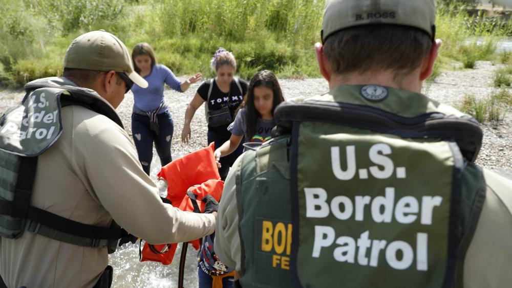 Políticas de Trump violan derechos de migrantes: reporte gubernamental - familias migrantes