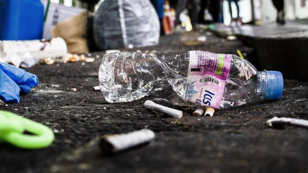 Hallan 21 derivados del plástico en cuerpo de voluntarios - Foto de Justin Bautista / Unsplash