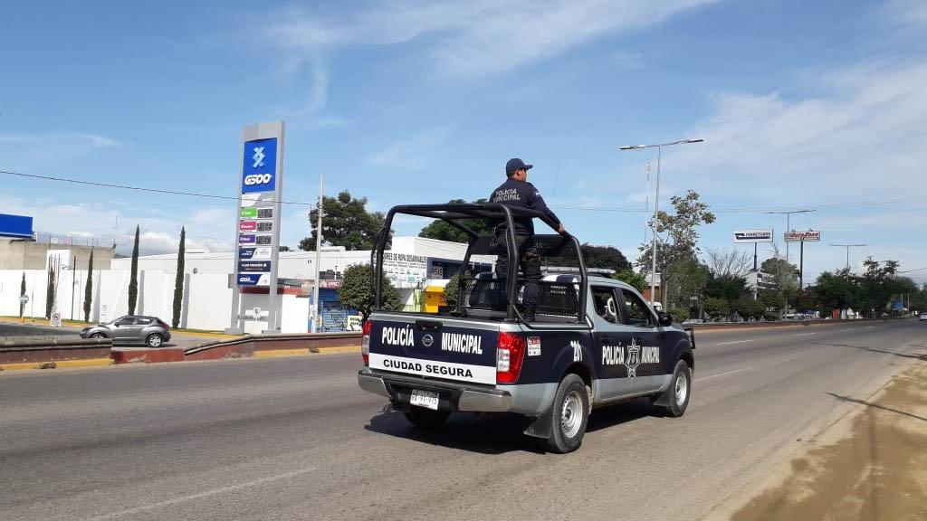 Detienen a alcalde oaxaqueño durante decomiso de armas - Policías Oaxaca