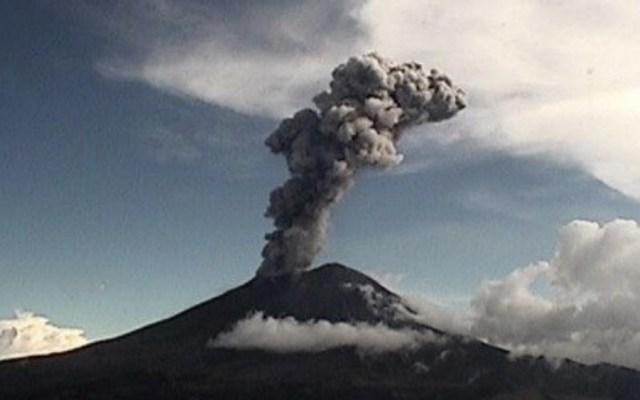 Volcán Popocatépetl registra exhalación esta tarde - Foto de @CNPC_MX