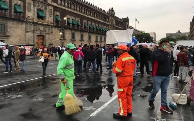Recicladores protestan afuera de Palacio Nacional - Protesta de recicladores en Palacio Nacional. Foto de @israellorenzana