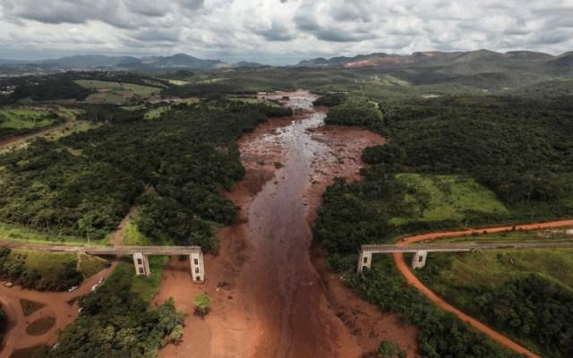 Rotura de represa minera deja aislado a un pueblo en Brasil - Foto de EFE
