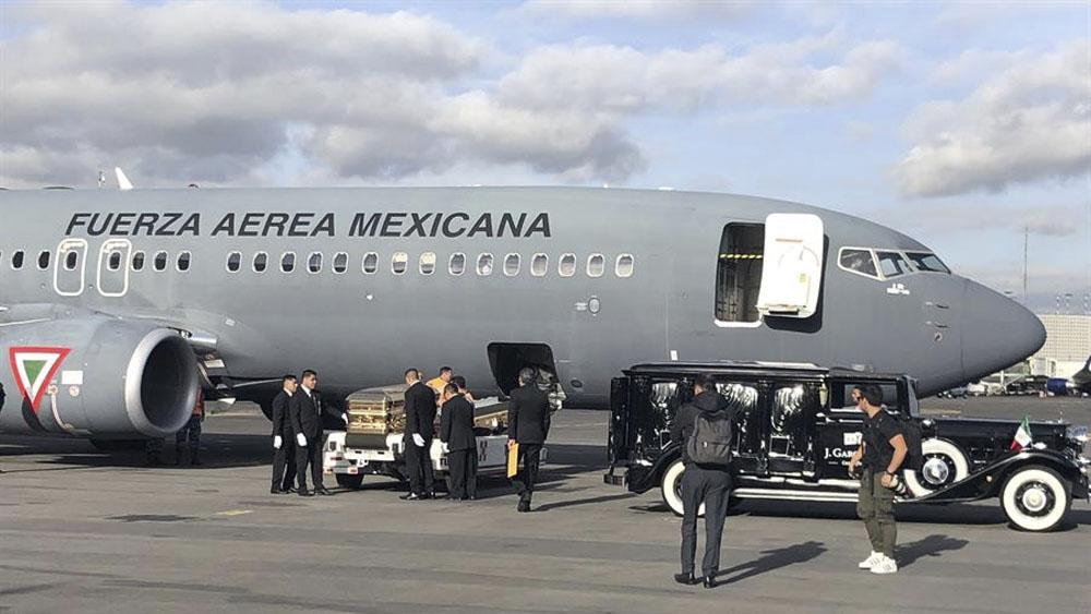 El viaje de las cenizas de José José a México - restos jose jose aicm
