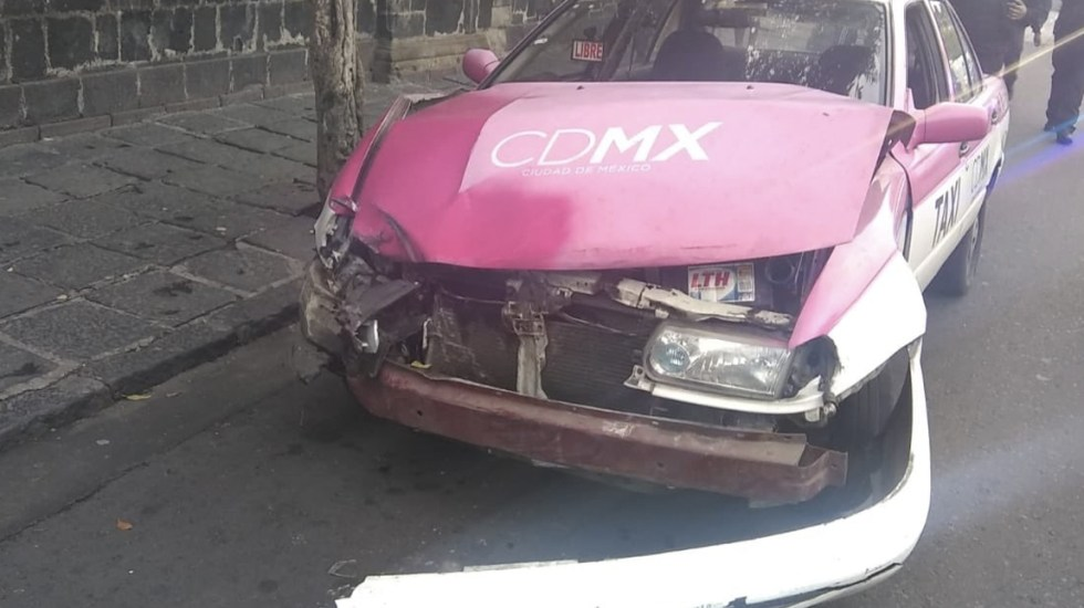 Choque de patrulla contra taxi deja al menos 7 lesionados en el Centro Histórico - Foto de Notimex