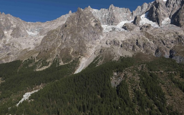 Parte del glaciar alpino del Mont Blanc acelera su deslizamiento - Vista del glaciar Planpincieux. Foto de EFE