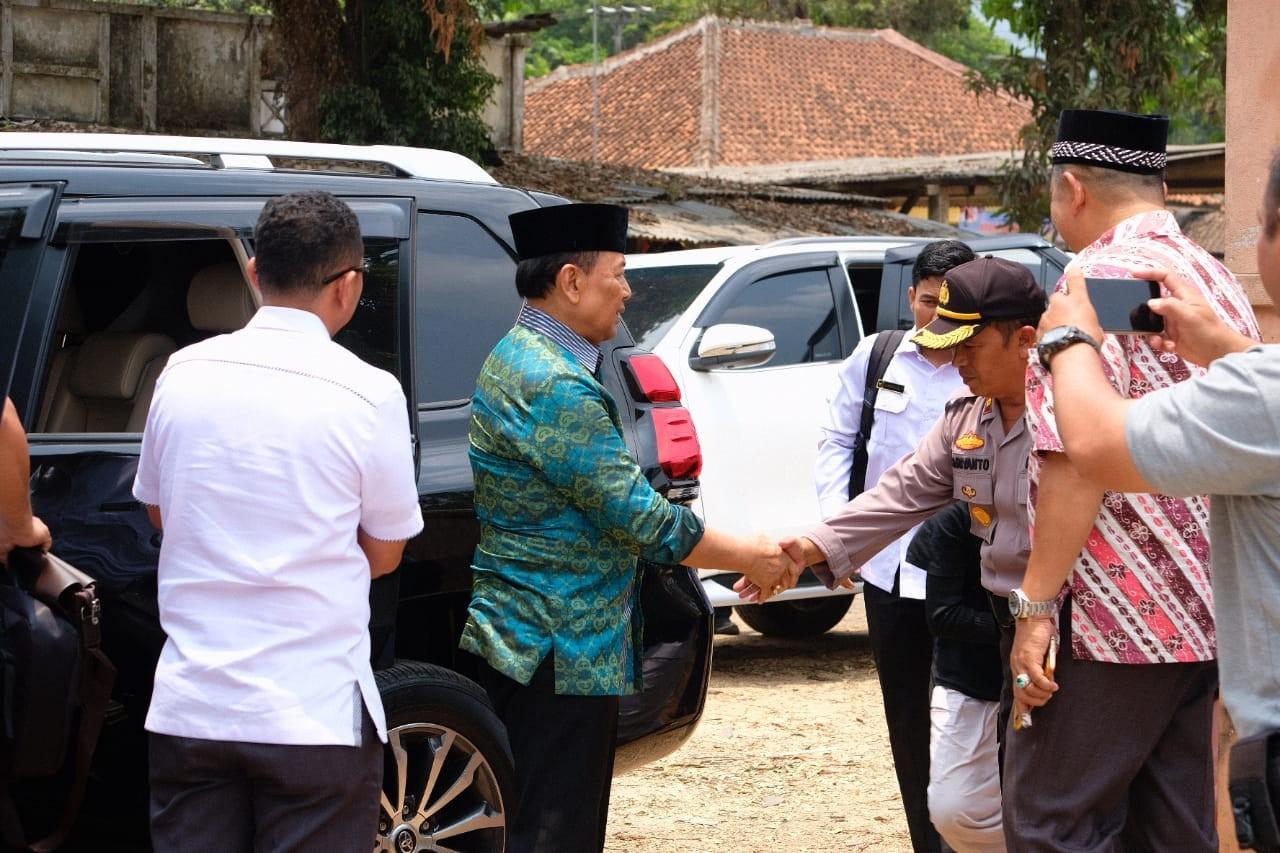 El momento previo al ataque a Wiranto. Foto de JP/Handout / thejakartapost.