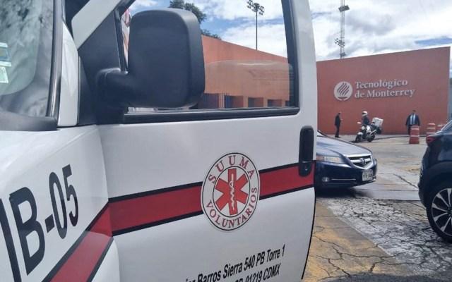 Movilización policiaca en estacionamiento del Tec de Monterrey campus Santa Fe; hay un herido - Foto de Suuma Voluntarios/ @SUUMA_CDMX