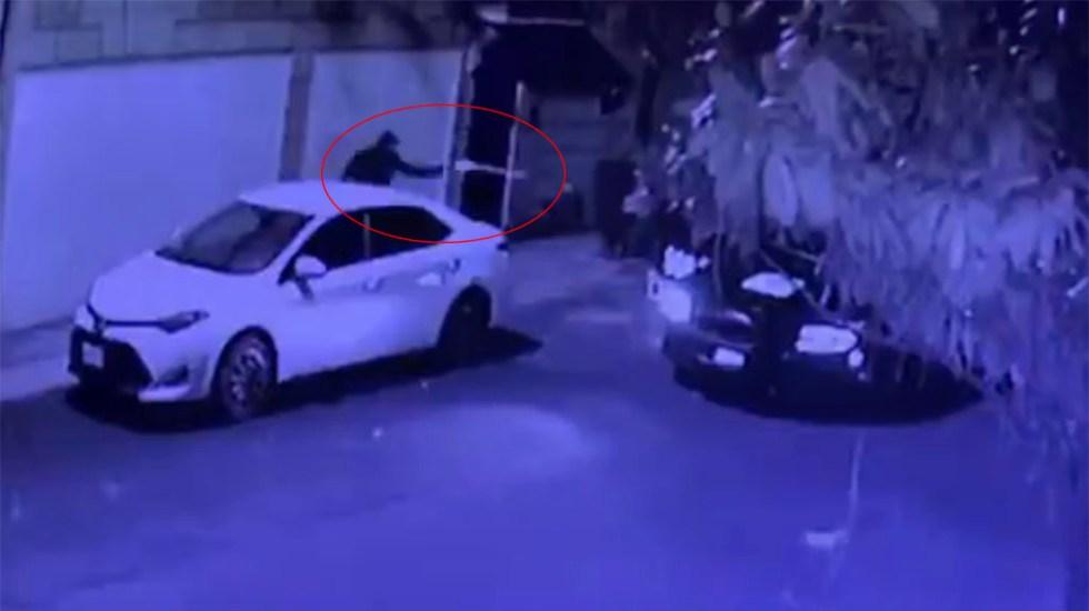 #Video Detienen a ladrón de casas habitación tras balacera en CDMX - Balacera entre ladrón de casas habitación y SSC-CDMX. Captura de pantalla
