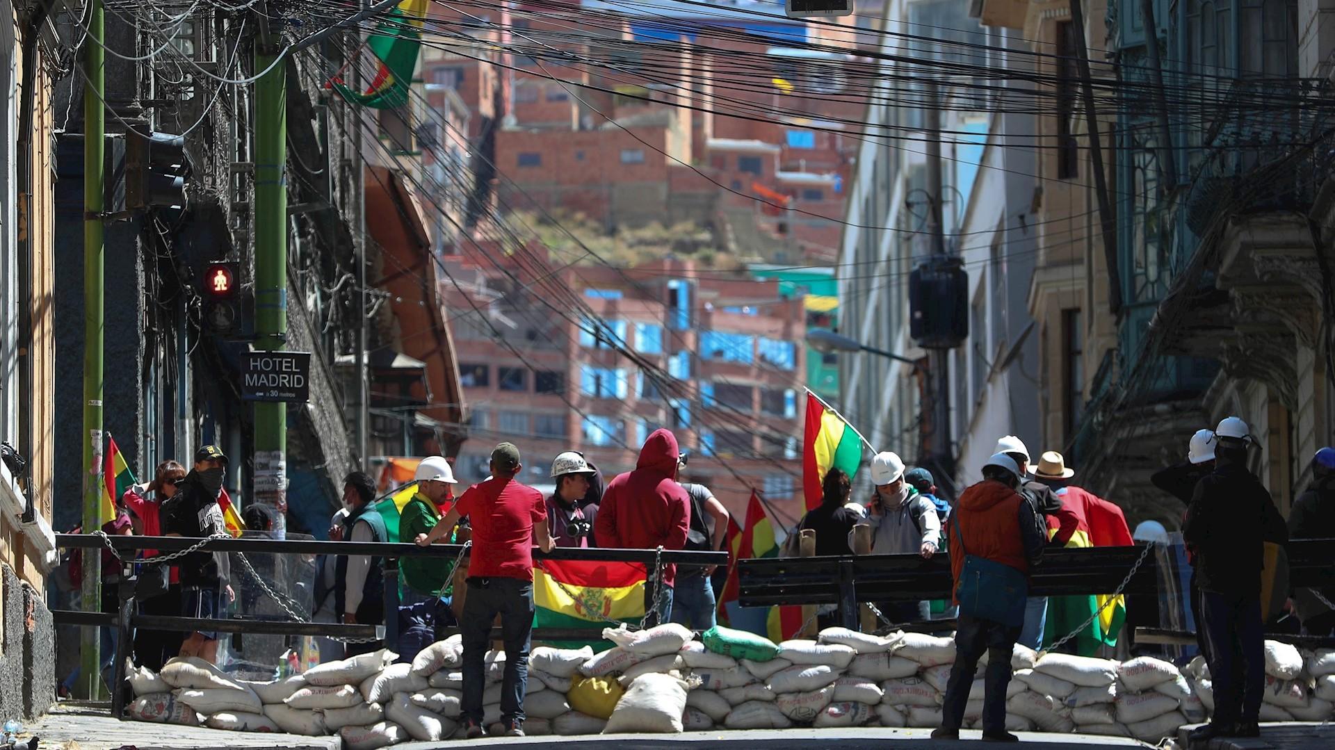 Máxima tensión en Bolivia: se extienden los motines policiales contra Evo Morales