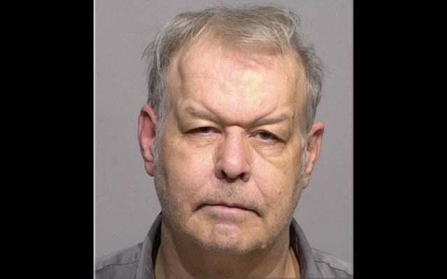 Acusan de crimen de odio a sujeto que tiró ácido a migrante en EE.UU. - Clifton Blackwell