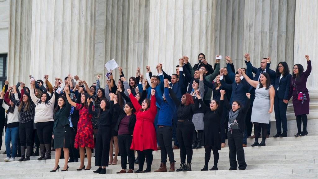 ¿Qué enfrentan los jóvenes beneficiarios del DACA en EE.UU.? - DACA soñadores dreamers Estados Unidos