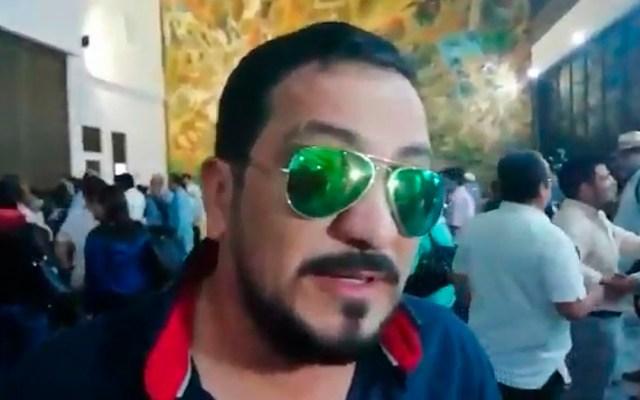 Diputado pide devolver osamenta de Hernán Cortés por ser 'foco de infección' - Diputado Charlie Valentino León. Captura de pantalla