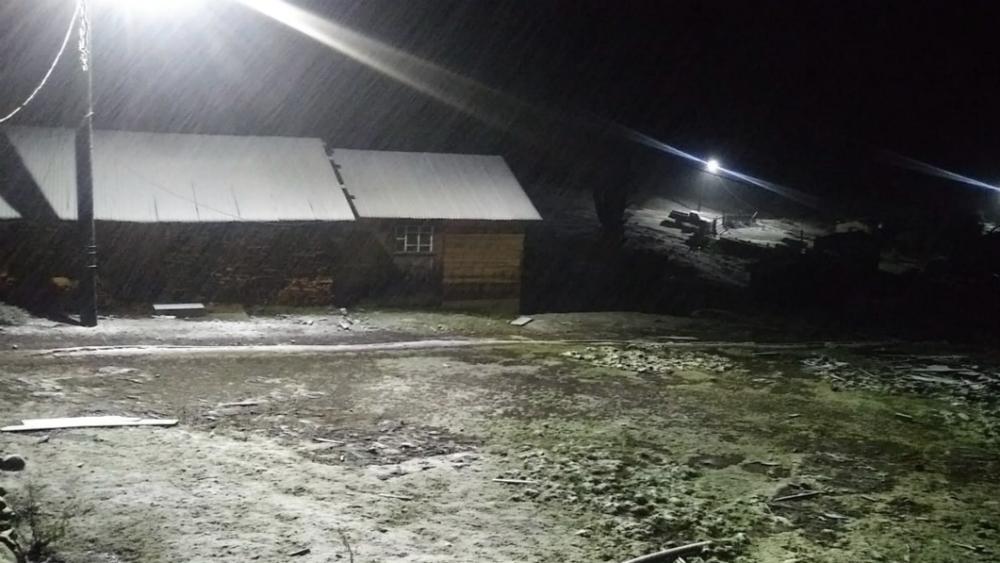 Caen primeras nevadas en Durango - Foto de @CEPCDurango