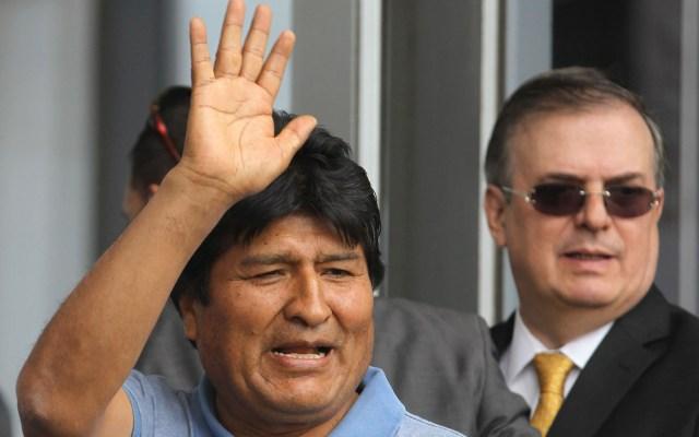 Prensa venezolana cae en broma sobre la llegada de Evo Morales a México - Evo Morales tras mensaje. Foto de EFE