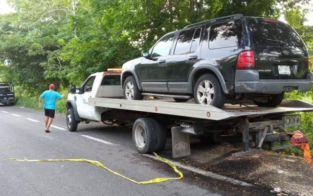 Hallan cinco ejecutados dentro de vehículo en Tabasco - Foto Especial.