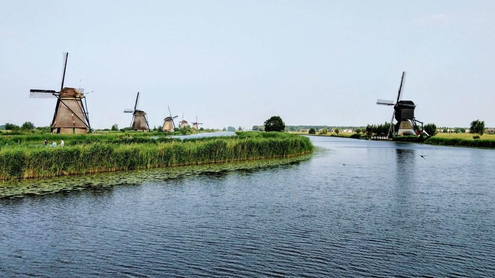Acusan de abuso sexual a padre que secuestró a sus hijos por 9 años en Holanda - Holanda campo rural molinos