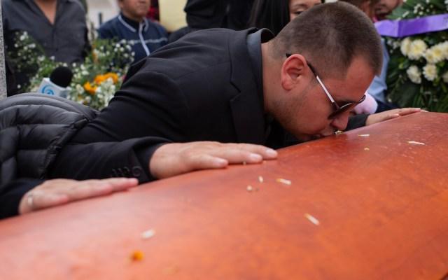 Al grito de justicia, rinden homenaje póstumo a Francisco Tenorio, alcalde de Valle de Chalco - Este domingo se realizó emotivo homenaje de cuerpo presente al presidente municipal de Valle de Chalco, Francisco Tenorio Contreras. Foto de Notimex-Gerardo Contreras.