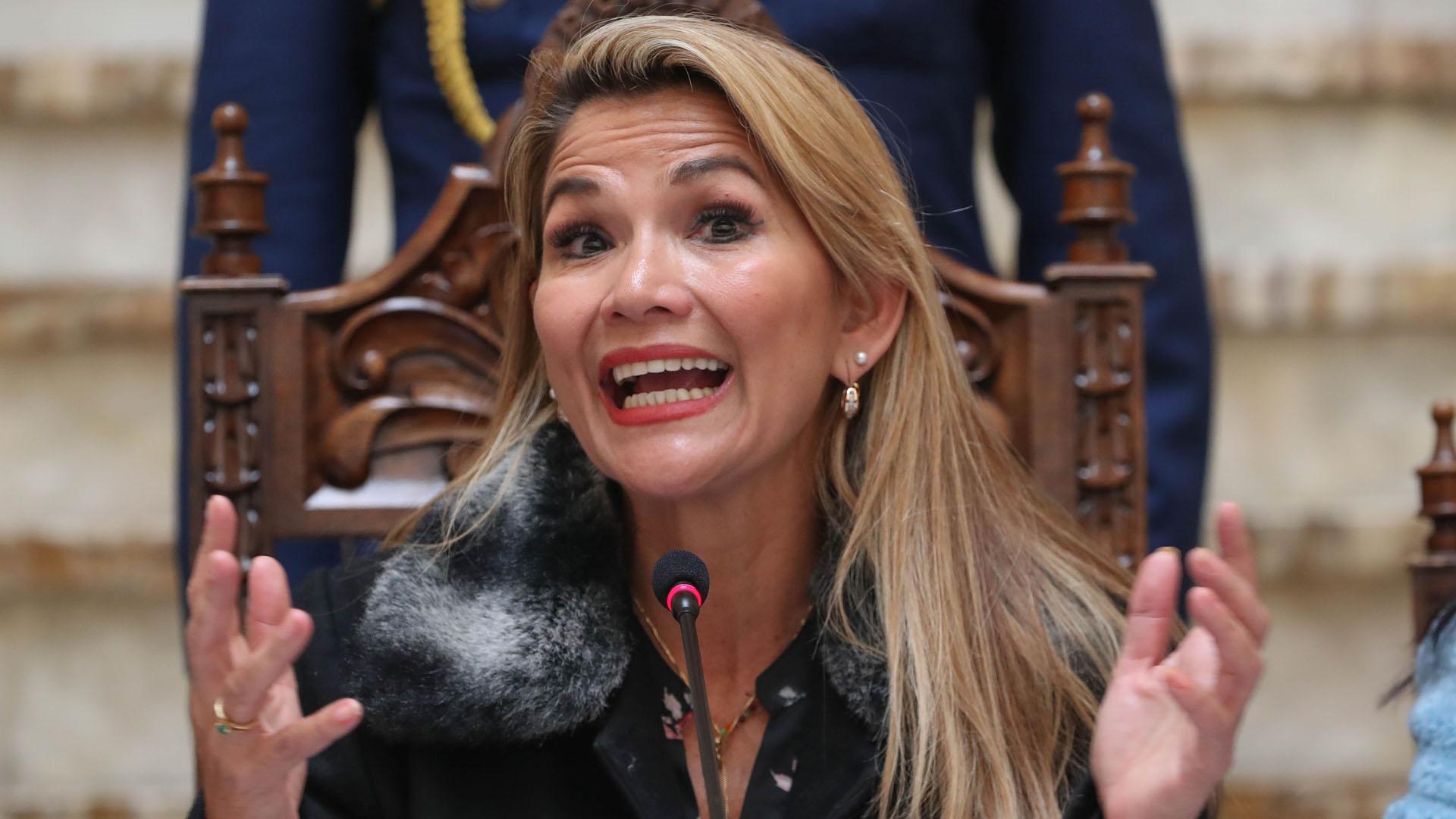 Jeanine Áñez, presidenta interina de Bolivia. Foto de EFE