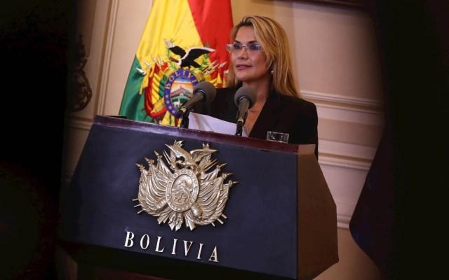 Presidenta interina de Bolivia dice que no promulgará ley de inmunidad a Evo Morales - Jeanine Áñez Bolivia presidenta interina
