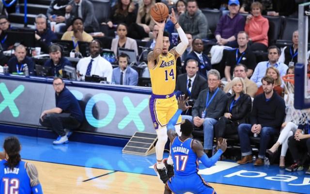 Davis y James llevan a Lakers a su victoria 13 en la NBA - Foto de @LosLakers