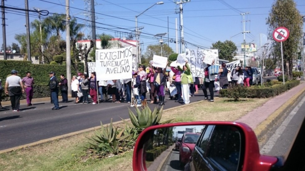 Con bloqueo en Xochimilco, madre exige que le devuelvan a su hijo - Foto de @PipolMexico