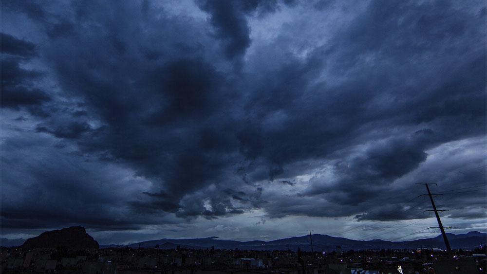 Lluvia provoca encharcamientos en la Ciudad de México; activan Alerta Amarilla - lluvia autopistas
