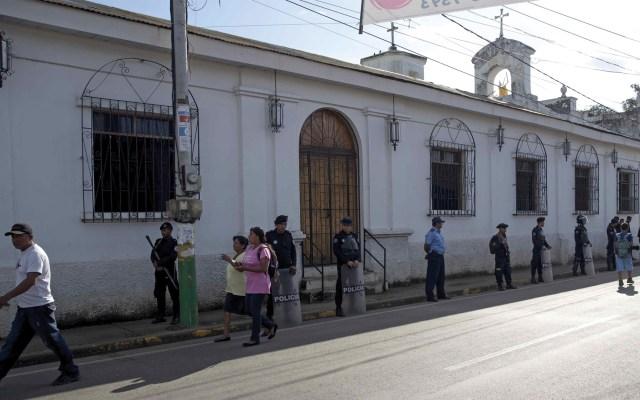Evacuan a sacerdote y mujeres en huelga de hambre en iglesia de Nicaragua - Foto de EFE