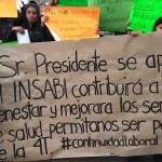 Trabajadores del Seguro Popular se manifiestan en Palacio Nacional