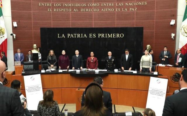 #Video Senadores guardan un minuto de silencio por familia LeBarón - Minuto de silencio por víctimas de ataque a la familia LeBarón, antes de la comparecencia en el Senado de Alfonso Durazo. Foto de @senadomexicano