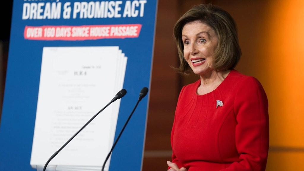 Pelosi resalta evidencia de sobornos de Trump a Ucrania - Nancy Pelosi Estados Unidos Donald Trump
