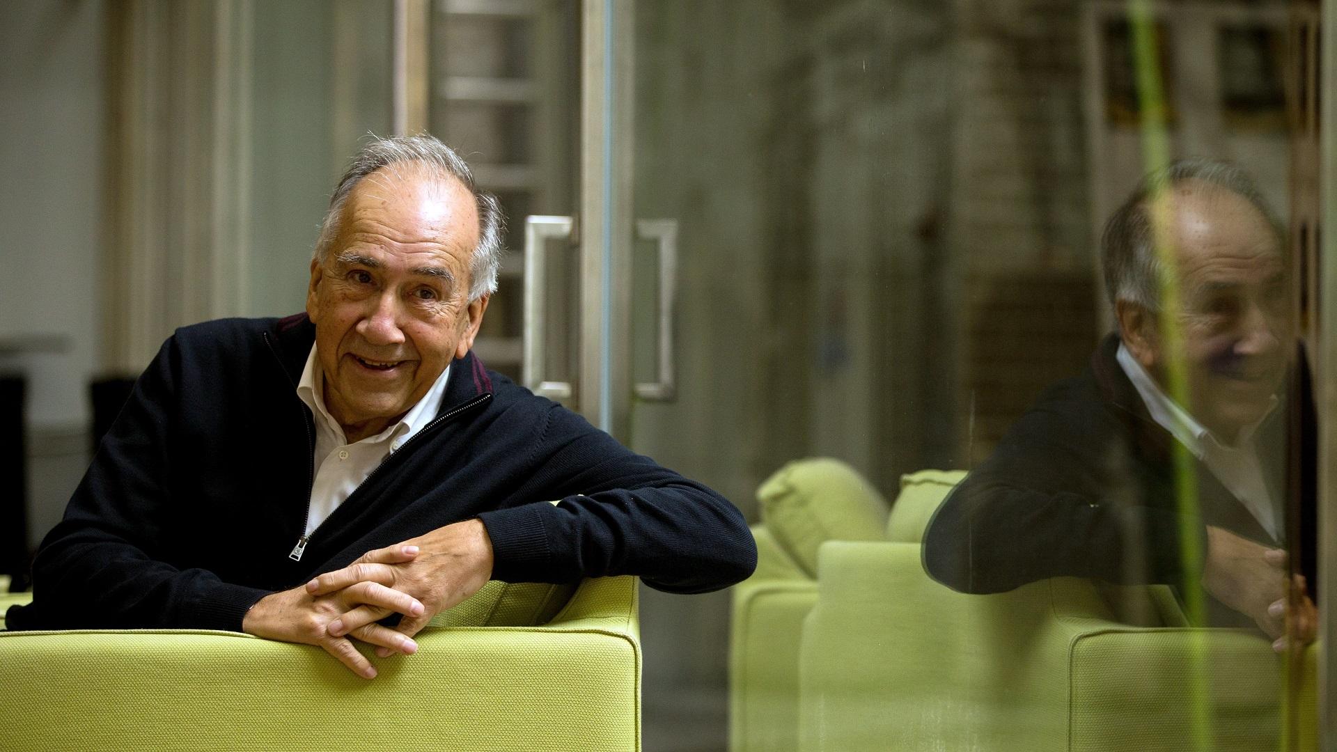 El poeta Joan Margarit es abiertamente defensor de la lengua catalana. Foto de EFE