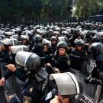 Policías encapsulan a campesinos en San Lázaro; impedirán que se movilicen a Expo Santa Fe