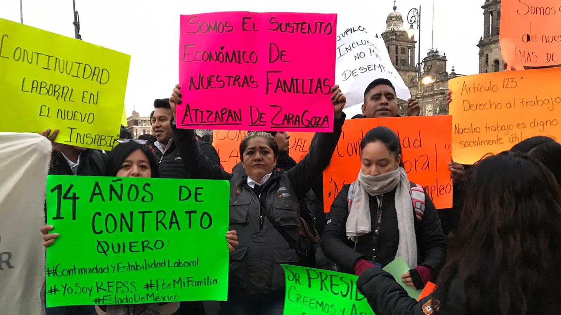Protesta frente a Palacio Nacional. Foto de @Siete24mx
