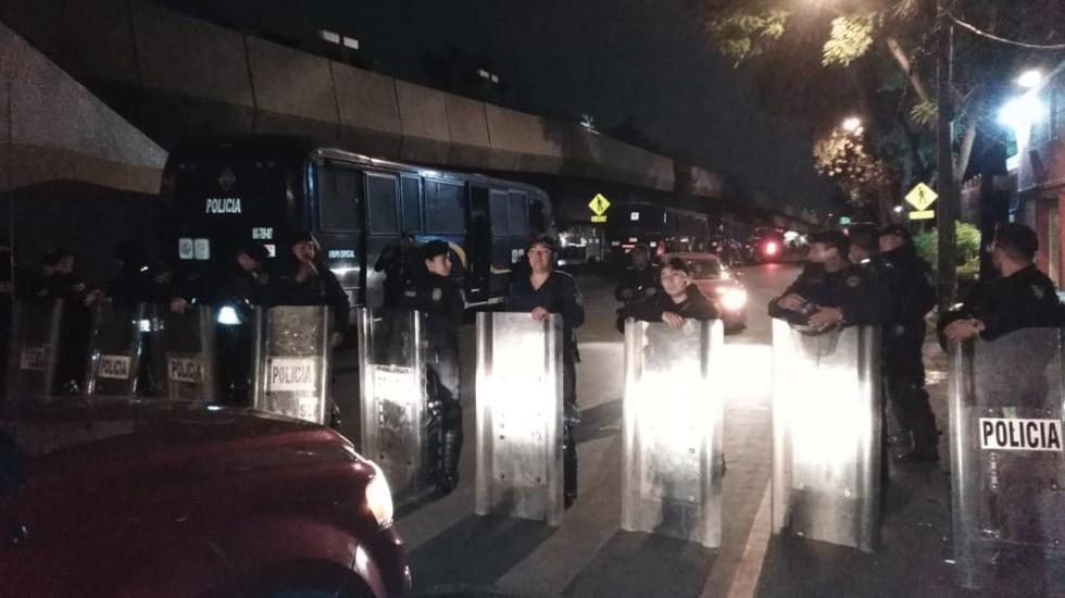 Montan operativo en San Lázaro para evitar que campesinos irrumpan en desfile - Foto de @FridaGomezP