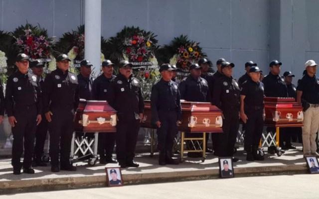 Realizan homenaje a policías asesinados en la Sierra Sur de Oaxaca - Homenaje a policías asesinados en Oaxaca