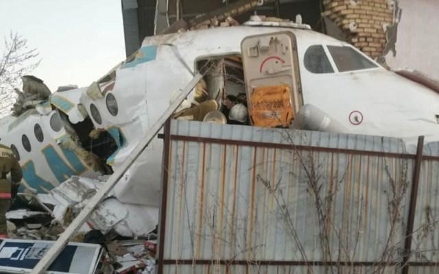 Accidente aéreo en Kazajistán deja al menos nueve muertos - Foto de @AzattyqRadiosy