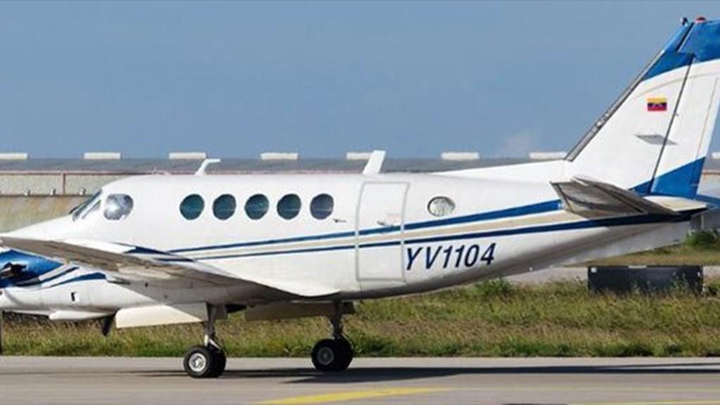 Mueren nueve personas al estrellarse avión pequeño en Venezuela - Avión Pequeño Matrícula YV1104 en Caracas Venezuela. Foto de Archivo INAC.