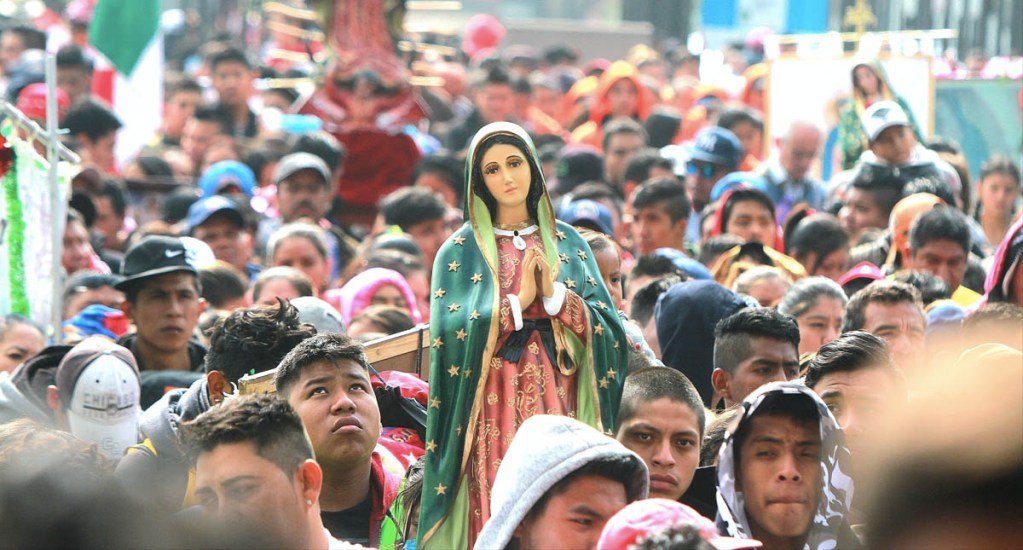 Peregrinos piden el cese de la violencia a la Virgen de Guadalupe - Foto de Notimex