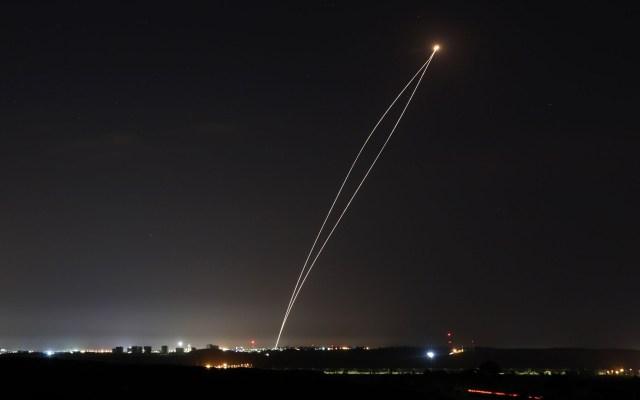 Israel bombardea puestos de Hamás por disparo de cohetes desde Gaza - Bombardeo israelí. Foto de Archivo / EFE