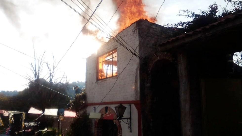 Bomberos controlan incendio en casa de Xochimilco - Bomberos controlan incendio en casa de Xochimilco