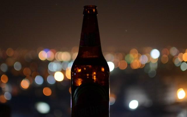 Crece consumo de alcohol y drogas en alumnado de la UNAM - Foto de Eeshan Garg para Unsplash