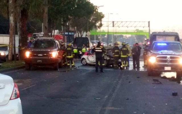 Choque deja cinco personas muertas en Iztapalapa - Choque en eje 6 Iztapalapa. Foto @MrElDiablo8