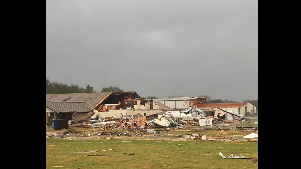 #Video Tornado deja un muerto en centro de Louisiana - Daños provocados por un tornado en Rapides, Louisiana. Foto de Rob Perillo