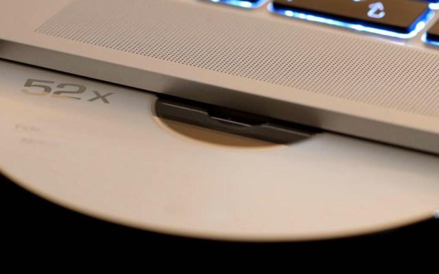 El 85 por ciento de los mexicanos consumen piratería - Disco CD piratería