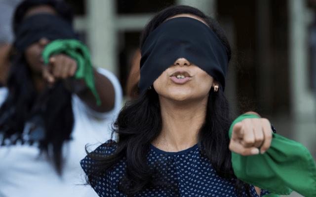 Protesta feminista enfrenta a hijos de Daniel Ortega - Foto de EFE