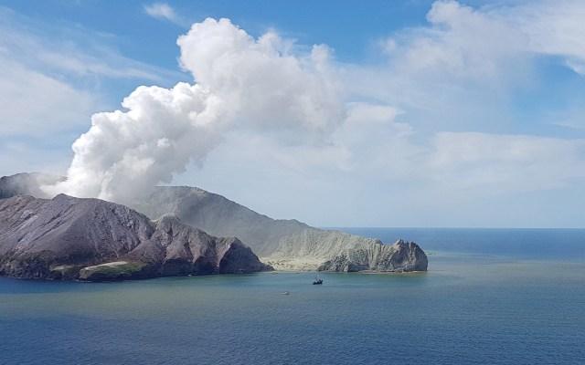 Suman 16 muertos por erupción del volcán Whakaari en Nueva Zelanda - Foto de EFE