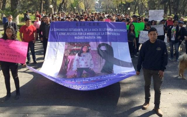 Estudiantes protestan en rectoría de la UACh por feminicidio - Estudiantes protestan en rectoría de la UACh por feminicidio