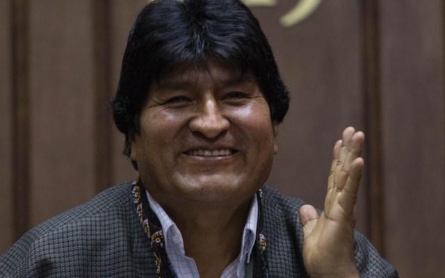 Evo Morales puede entrar y salir del país cuando lo considere: Sánchez Cordero - Foto de EFE
