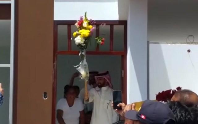 Empresario árabe regala casa a niño que estudiaba bajo alumbrado público - 'Inaguración' de casa regalada por empresario árabe a niño peruano. Foto de La Industria Perú